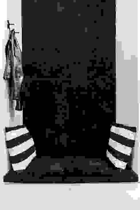 mieszkanie prywatne 3 pokoje czarno-białe - apartamenty na polanie - Gdynia Nowoczesny korytarz, przedpokój i schody od Anna Maria Sokołowska Architektura Wnętrz Nowoczesny