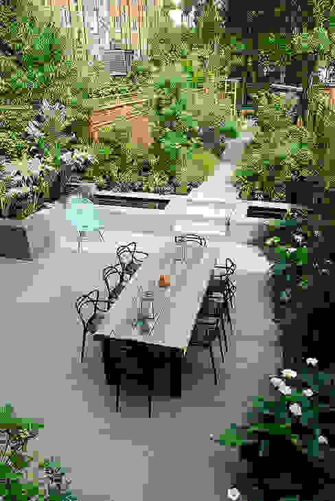 Contemporary Garden Design by London Based Garden Designer Josh Ward Modern garden by Josh Ward Garden Design Modern Wood Wood effect
