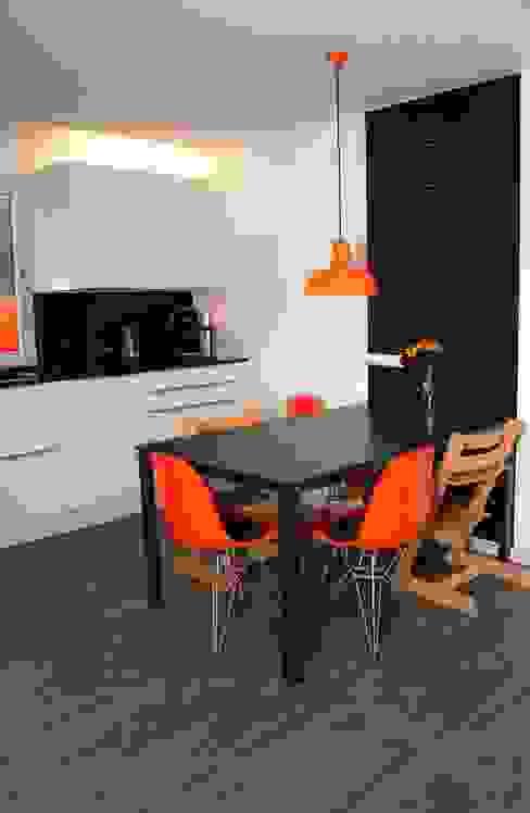 Sandra Schauer Raum & Design Modern kitchen