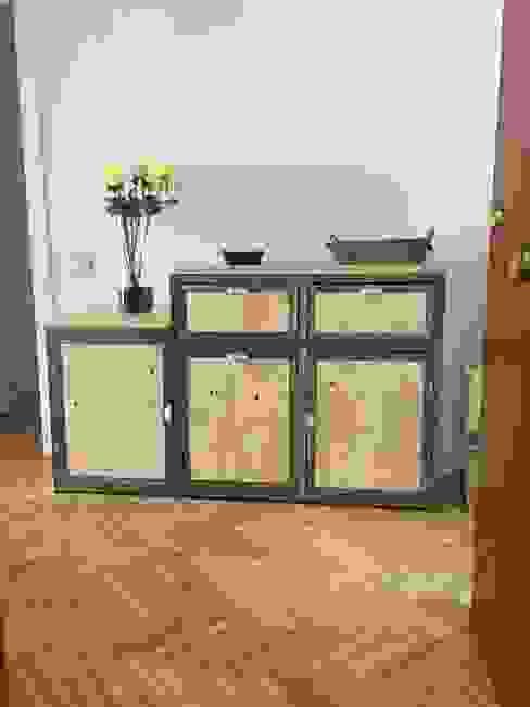 Mueble auxiliar de recibidor:  de estilo industrial de Tocaferro, Industrial
