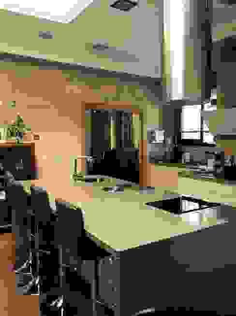 vivienda sevilla Salones de estilo moderno de Architect Hugo Castro - HC Estudio Arquitectura y Decoración Moderno