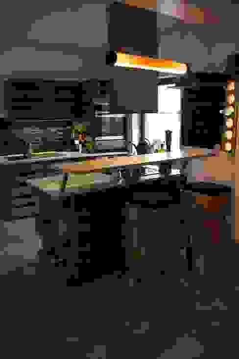 de WOODEN Germany Moderno Madera Acabado en madera