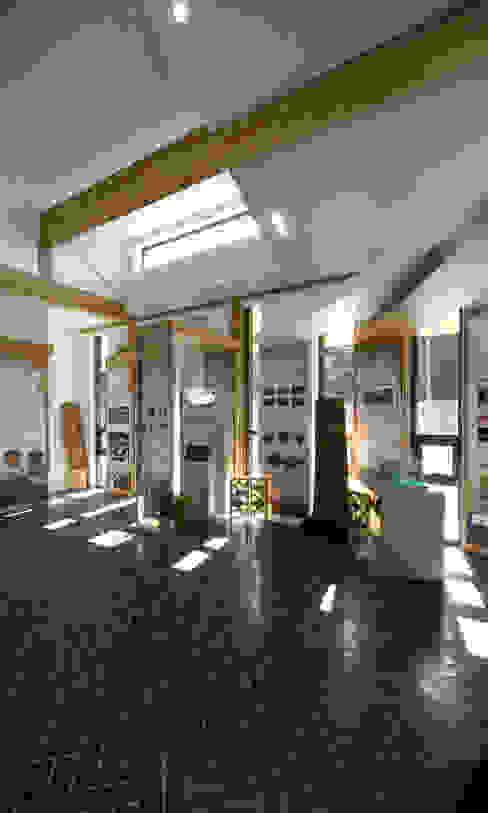 청태산국립자연휴양림 방문자안내센터: (주)나무아키텍츠 건축사사무소의  방,모던