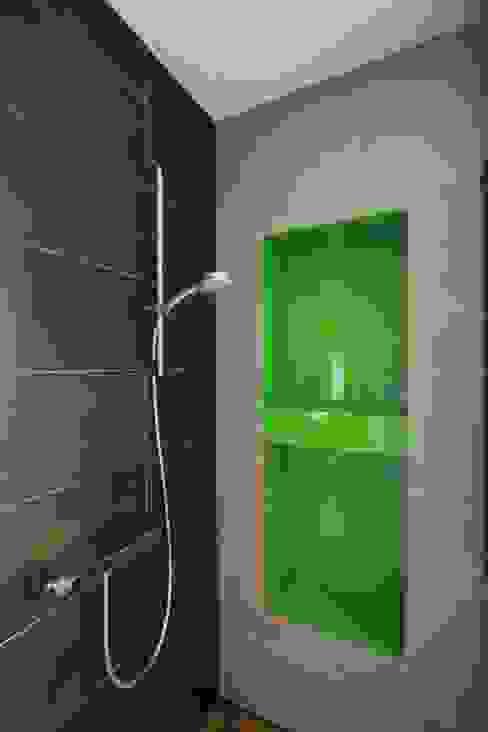 ห้องน้ำ โดย FAJNY PROJEKT, โมเดิร์น กระจกและแก้ว