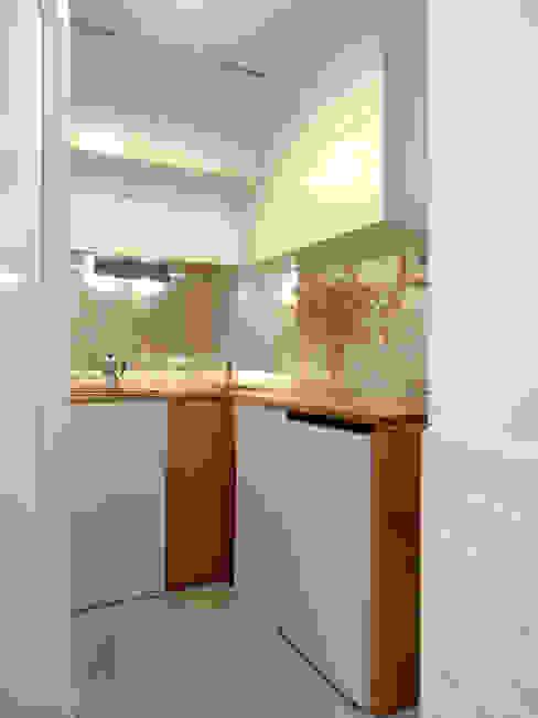 Cozinha Cozinhas mediterrânicas por BL Design Arquitectura e Interiores Mediterrânico