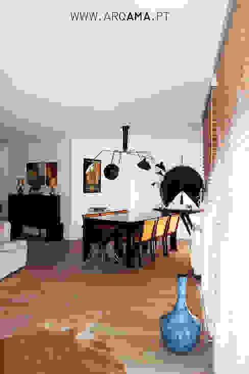 SCANDINAVIAN HOUSE PROJECT Salas de jantar escandinavas por ARQAMA - Arquitetura e Design Lda Escandinavo