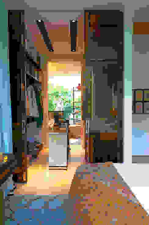 Vestidores de estilo ecléctico de Viterbo Interior design Ecléctico