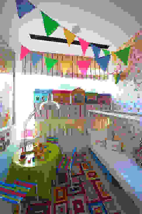 Cuartos infantiles de estilo ecléctico de Viterbo Interior design Ecléctico