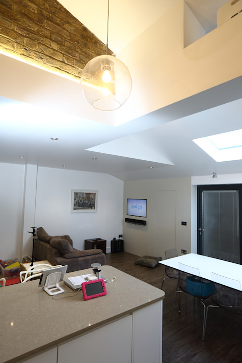 Single Storey Extension, Roxborough Rd Modern living room by London Building Renovation Modern