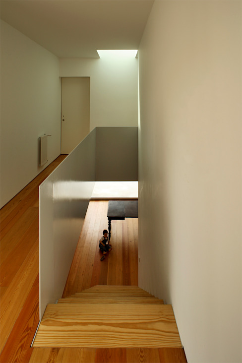 Casa GA: Corredores e halls de entrada  por SAMF Arquitectos,Moderno