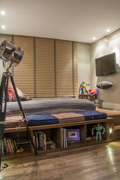 Dormitorios de estilo  por Michele Moncks Arquitetura, Moderno