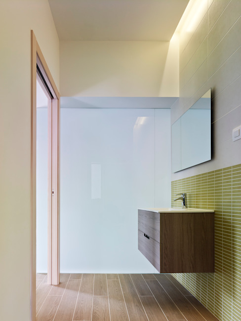 rehabilitación integral en Cangas rodríguez + pintos arquitectos Baños de estilo moderno