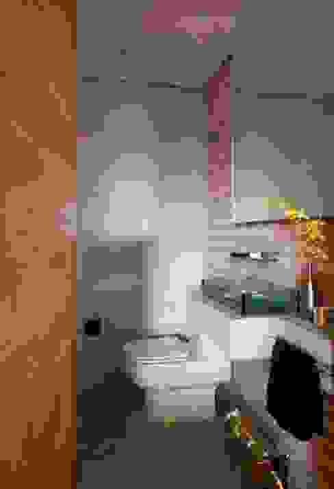 Nowoczesna łazienka od Marcelo Rosset Arquitetura Nowoczesny