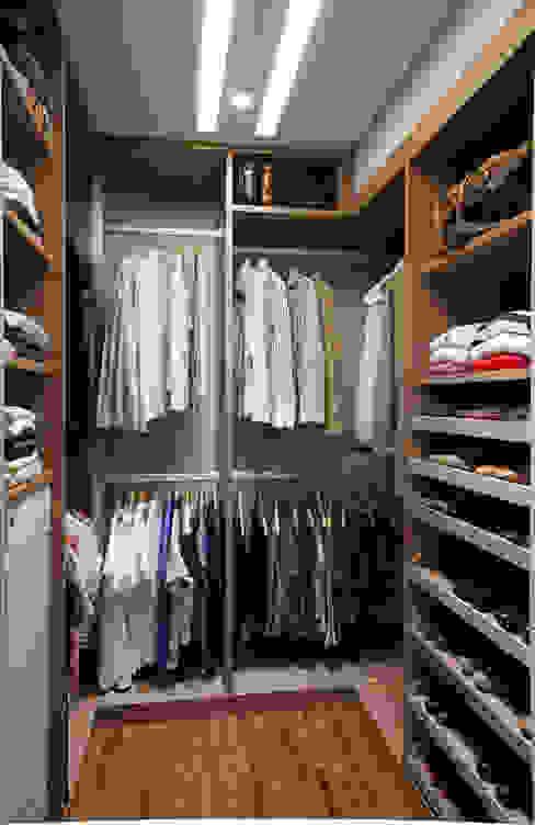 Marcelo Rosset Arquitetura Modern dressing room