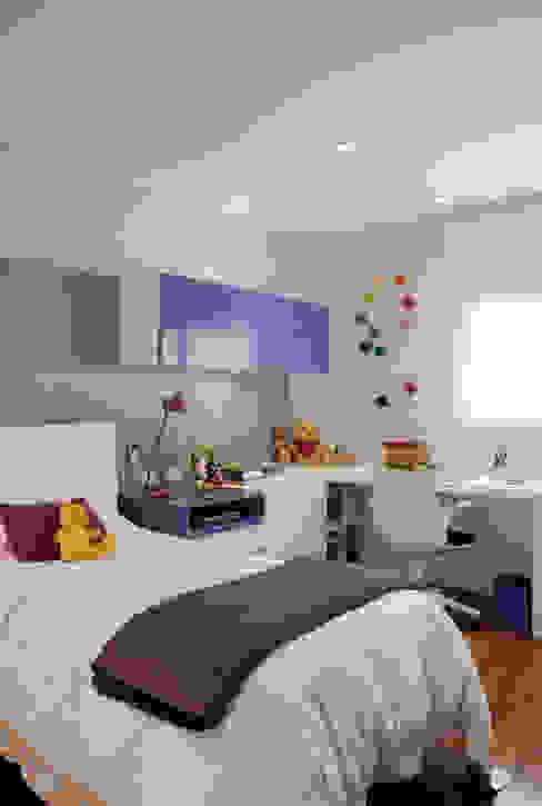 Modern Kid's Room by Marcelo Rosset Arquitetura Modern
