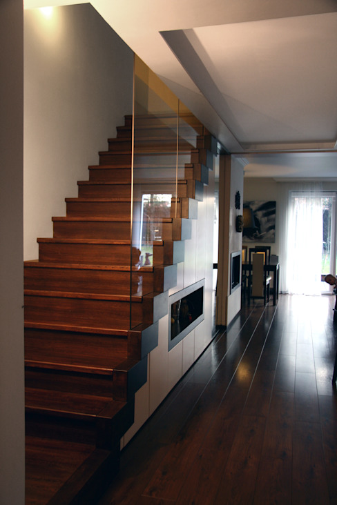 Modern Corridor, Hallway and Staircase by ER DESIGN Modern