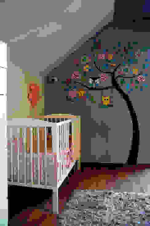 Modern Kid's Room by ER DESIGN Modern