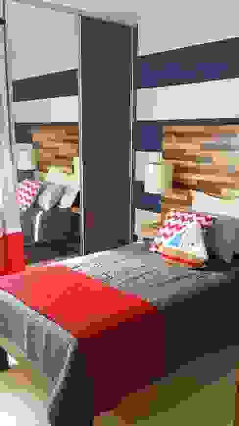 Oficina con área de juegos: Recámaras de estilo  por Paola Hernandez Studio Comfort Design, Moderno