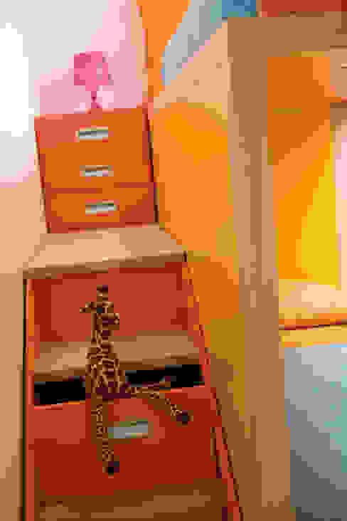 Habitaciones para niños de estilo moderno de MOBIMIO - Räume für Kinder Moderno
