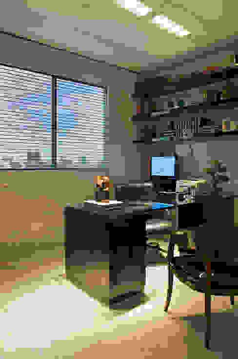 Cassio Gontijo Arquitetura e Decoração ห้องทำงาน/อ่านหนังสือ
