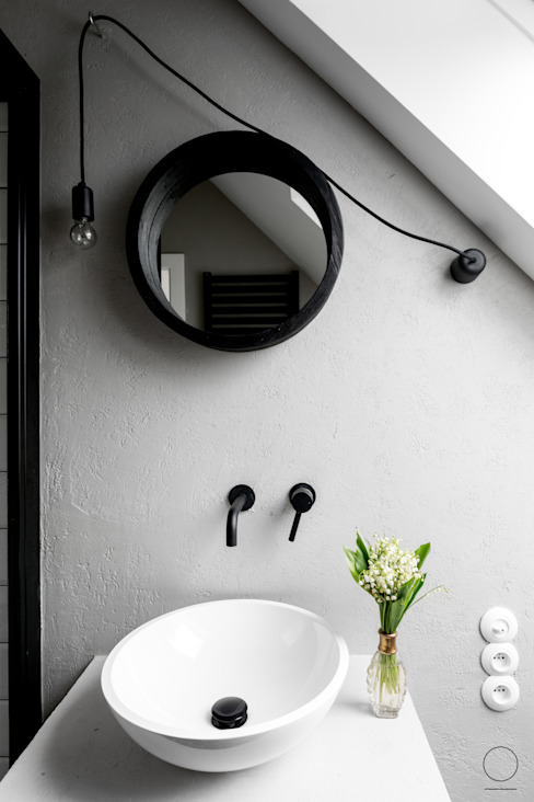 Scandinavian style bathroom by OIKOI Scandinavian