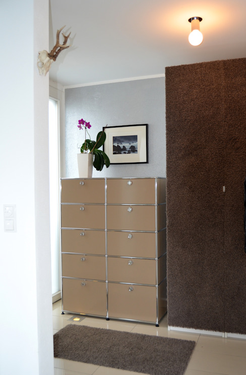 Garderobe: modern  von Harmsen Innenarchitektur / ALL ABOUT DESIGN,Modern Metall