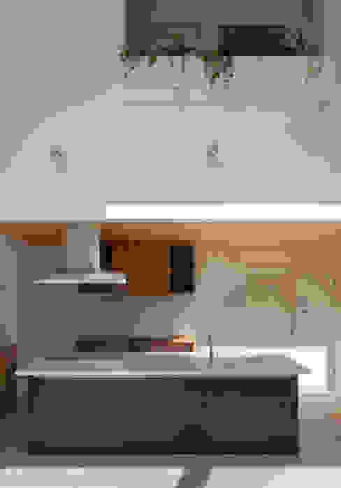 Moderne keukens van 株式会社ブレッツァ・アーキテクツ Modern