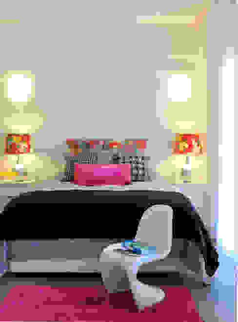 Private Residence in Vilamoura Camera da letto moderna di Leonor Moreira Romba - Arquitecturas Moderno