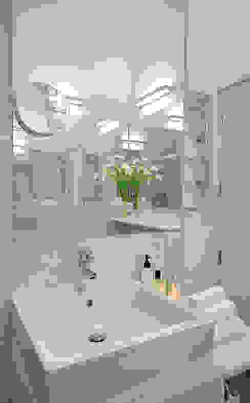 Residência Privada Vilamoura Casas de banho modernas por Leonor Moreira Romba - Arquitecturas Moderno