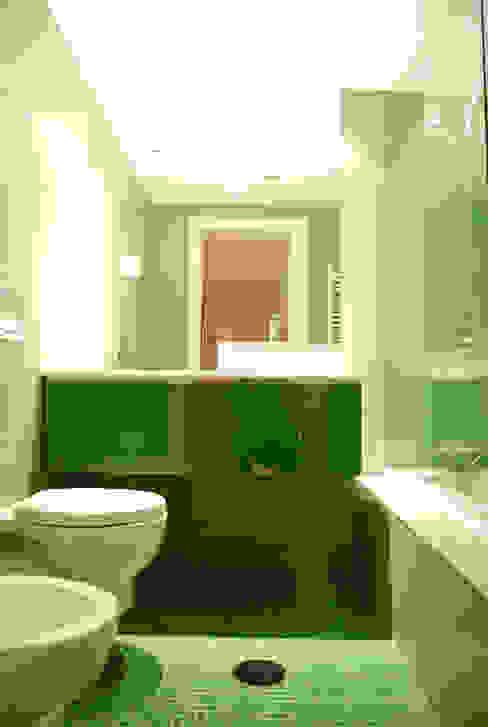Modern bathroom by Teresa Pinto Ribeiro | Arquitectura & Interiores Modern