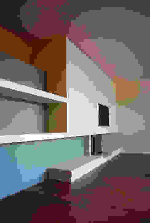 Salas modernas de Teresa Pinto Ribeiro | Arquitectura & Interiores Moderno