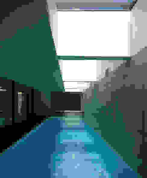 Piscinas de estilo minimalista de Architekt Zoran Bodrozic Minimalista