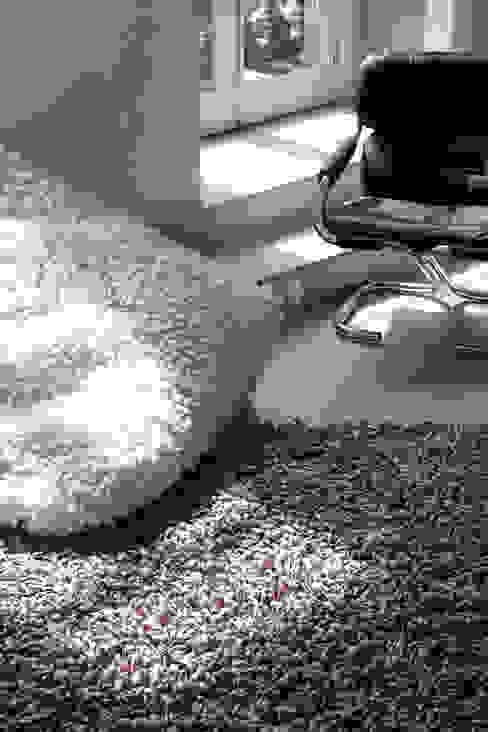 Salones modernos de Letheshome Moderno Textil Ámbar/Dorado