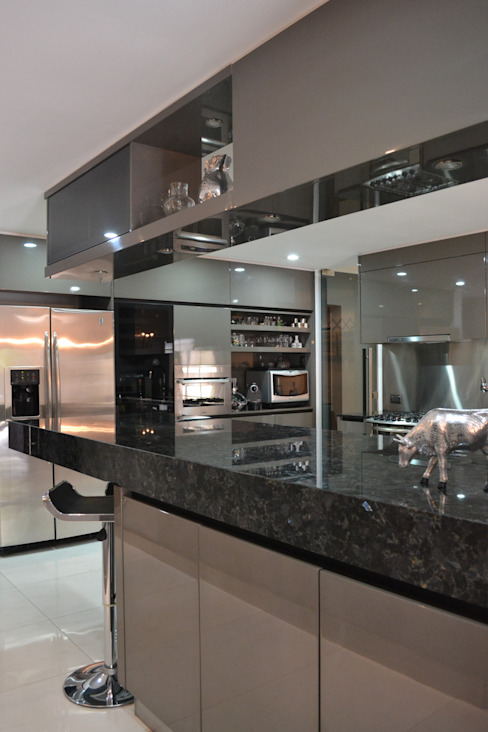 Escala Veinte Dapur Modern Grey
