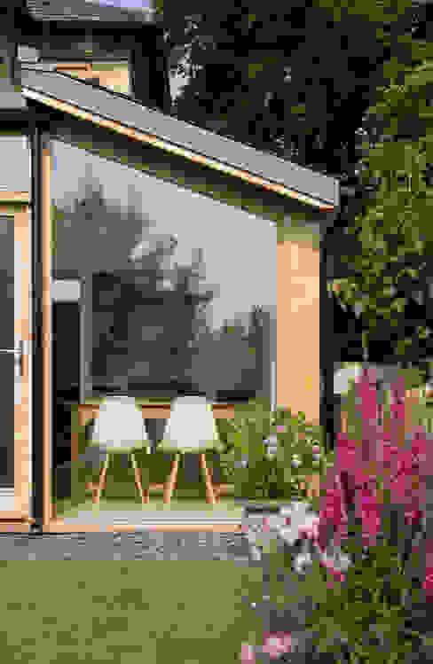 Church Lane Modern houses by Designscape Architects Ltd Modern