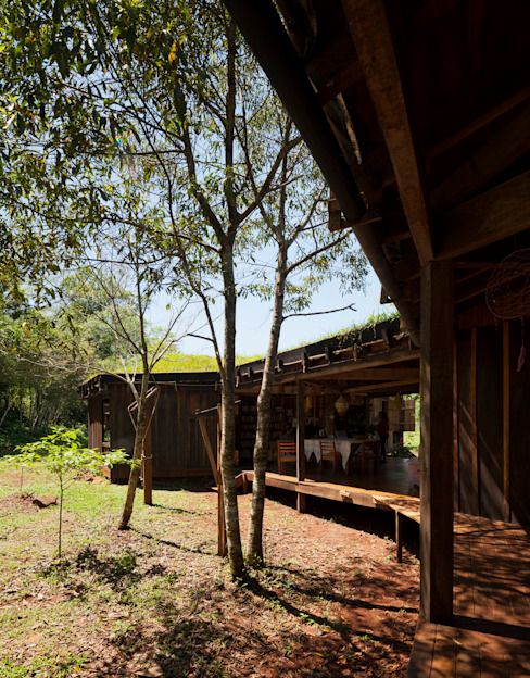 by IR arquitectura Country Solid Wood Multicolored