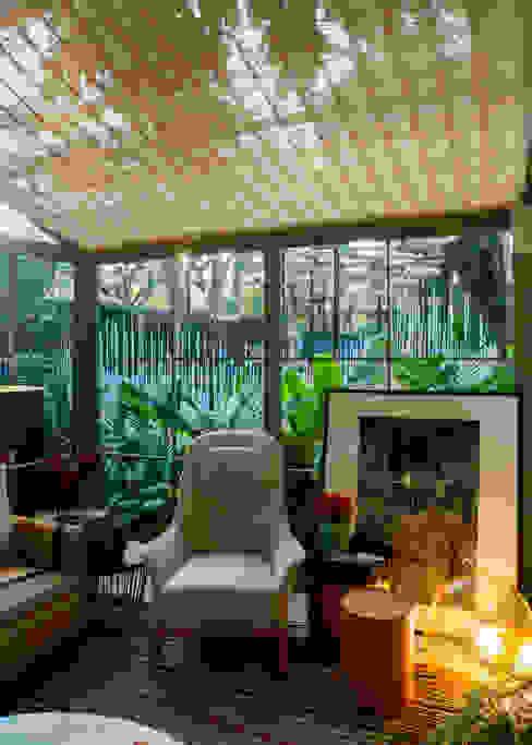 by Marina Linhares Decoração de Interiores Tropical
