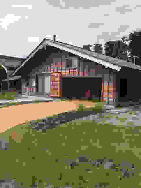 Casas de estilo  de 一級建築士事務所マチデザイン, Asiático Madera Acabado en madera