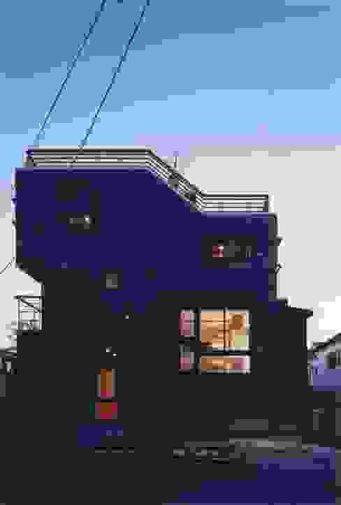 Minimalist house by 有限会社 高橋建築研究所 Minimalist Glass