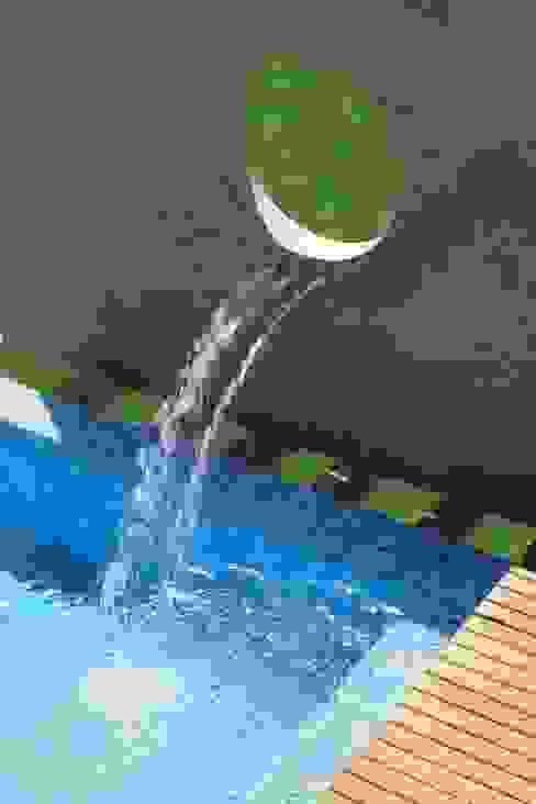 alexis vinícius arquitetura e designが手掛けたプール, ラスティック