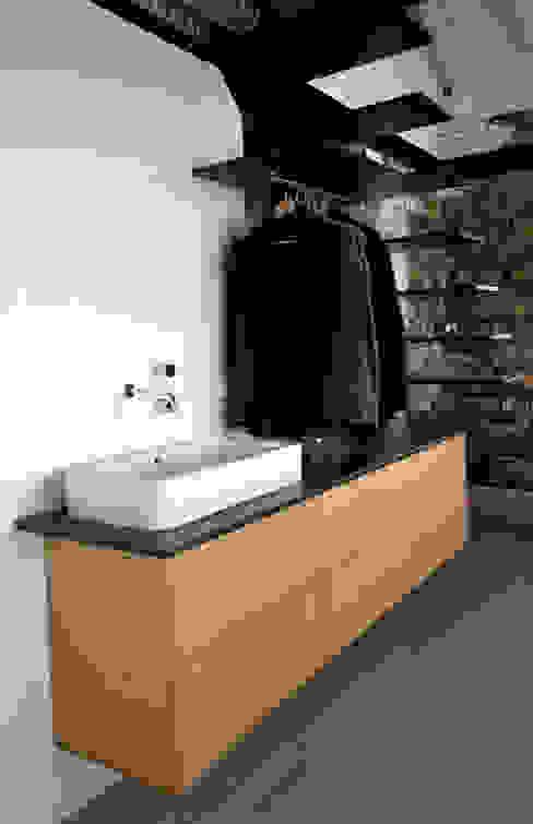 Baños modernos de Tagarro-De Miguel Arquitectos Moderno