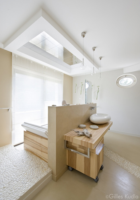 Bathroom by Gilles Kudla, Modern