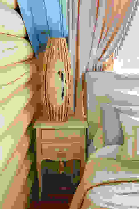Phòng ngủ phong cách mộc mạc bởi Ольга Куликовская-Эшби Mộc mạc