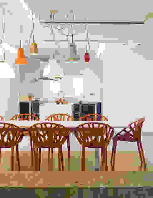 Moradia de férias M+PR Salas de jantar modernas por Space Invaders _ Arquitectura e Design Moderno