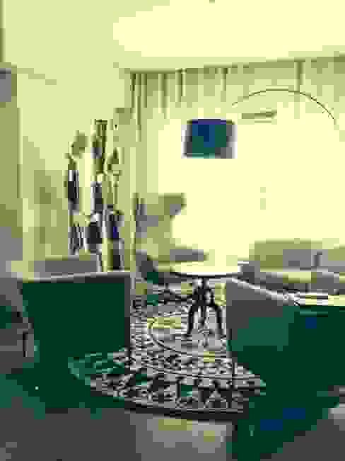 Moradia D+IF Salas de estar ecléticas por Space Invaders _ Arquitectura e Design Eclético