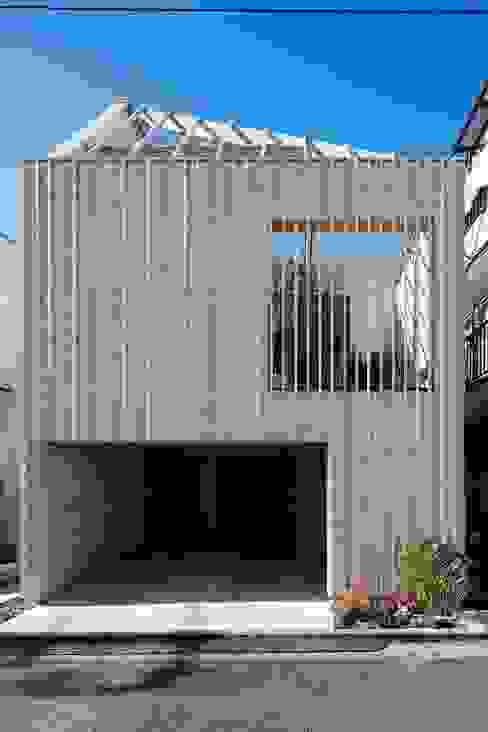 駒沢の家 モダンな 家 の ディンプル建築設計事務所 モダン 無垢材 多色