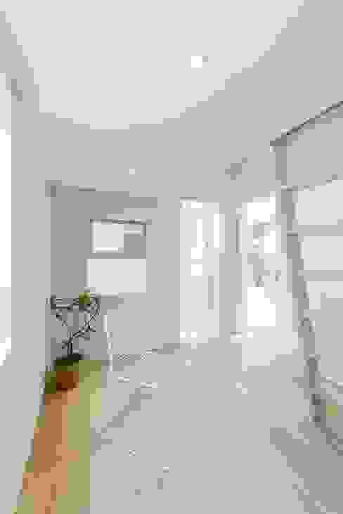 모던스타일 침실 by ディンプル建築設計事務所 모던 솔리드 우드 멀티 컬러