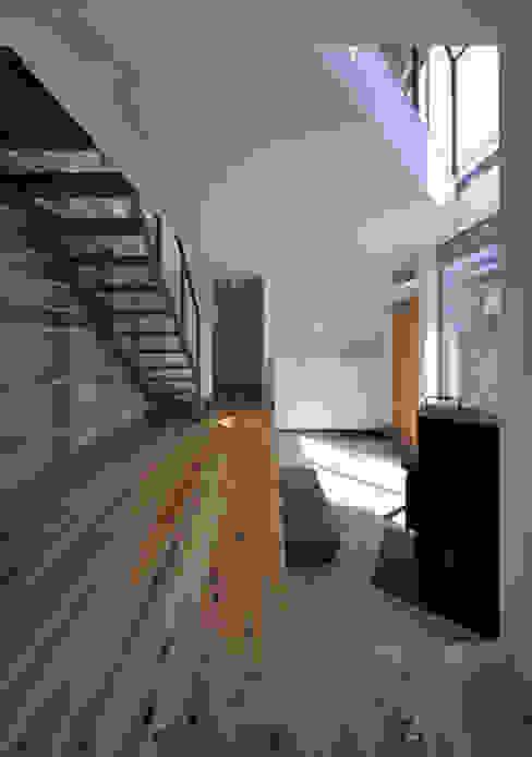 FuruichiKumiko ArchitectureDesignOffice Moderne gangen, hallen & trappenhuizen
