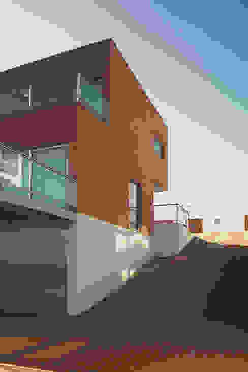 Casa Pinhal Verde : Casas  por SAMF Arquitectos,