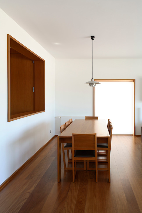 Casa Pinhal Verde : Salas de jantar  por SAMF Arquitectos,